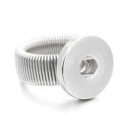 Calientes ajustables intercambiables Xinnver metal anillos de retención de moda flexible de ajuste a presión 18MM botones de bricolaje al por mayor de ZH009 apropiado desde fabricantes