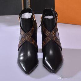 Botas cruzadas online-Botas de tobillo Matchmake Diseñador de moda Botas de tacón alto Lona de monograma de cuero genuino Correas cruzadas Dedos en punta Botas de moda para mujer