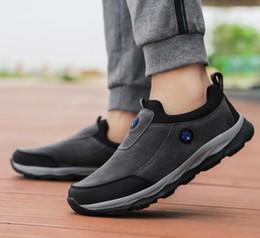 61aee0fbb Pessoas idosas Outono Nova Chegada Sapatos Antiderrapante Sapatos de Sola  Macia Quente Andando Segurança Idosos Mulheres Casuais