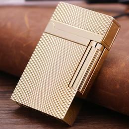 Scatole regalo in stile vintage online-Accendino ricaricabile a gas per il rumore del gas di stile vintage Accendino per butano di James Bond KUBOY Free GIFT BOX