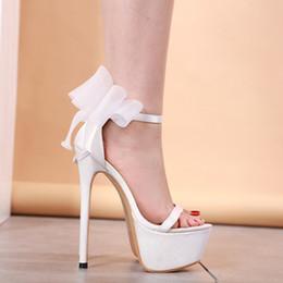 2019 sapato de peep toe branco Sandálias das mulheres sapatos de verão arco sandálias de geléia Sapatos de Dança Super High Heel 17 cm Peep Toe Fivela Alça sapatos de casamento branco YMA829 sapato de peep toe branco barato