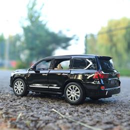 modelo de carro fundido 24 Desconto Liga 1:24 LX570 Modelo de Metal Puxar Para Trás Toy Cars Light Sound Diecast Veículo Brinquedos Carro para crianças adultos Coleção