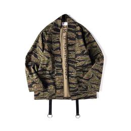 Japonés Camo Kimono chaquetas estilo chino para hombre Hip Hop camuflaje informal de punto abierto abrigos moda Streetwear chaqueta Xl Jk002 desde fabricantes