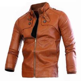 chaqueta de cuero de imitación marrón para hombre Rebajas otoño invierno de las chaquetas de los hombres del bombardero de la cremallera de cuero para hombre de imitación de sexo masculino de la motocicleta chaqueta informal barato bolsillo de la capa de color marrón