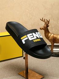 2019 Новые женские сандалии на плоской подошве Шлепанцы Мокасины FD Тапочки Дизайнерские сандалии Слайды Италия Фирменная обувь Huaraches Лоферы вьетнамки от