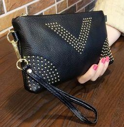 Carteiras escondidas on-line-Designer de saco de Embreagem mulheres moda bolsas 22 cm tamanho 3 camadas bolsos com bolso escondido único zíper grandes carteiras