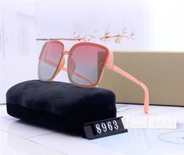 caso delle vetri delle ragazze Sconti designer donne grande cornice occhiali da sole di lusso signora guida occhiali da sole moda trendy ragazza des lunettes de soleil con i casi