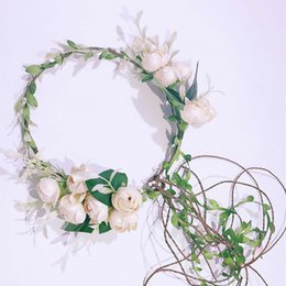 Corone di fiori artificiali online-Sposa Sposa Fiore Fascia Fiore Ragazza Corona Corona artificiale Fiore di seta Corona nuziale Damigella copricapo Testa Pezzi Accessori