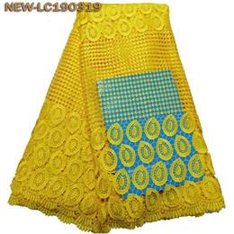 Bordado, laço, jarda on-line-Amarelo de alta qualidade da tela do laço Africano para o vestido de casamento bordado malha Lace Tecidos nigeriano guipure Cord Lace 5 Yards MJE02