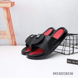 2019 Nuevo y lujoso masaje Noctilucent Shoes Flip Flops Mujer Hombre Sandalias Zapatillas de verano para los amantes Multifunción con boosst Soles zapatillas desde fabricantes