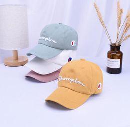 567de93c82 Crianças bonés de beisebol carta impressão moda bordado snapback verão  meninos meninas chapéus ao ar livre casual chapéus hip hop caps kka6868