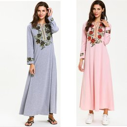 frauen baumwolle abaya Rabatt 2019 Ramadan Cotton Muslim Dress Türkei Abaya Frauen Stickerei V-Ausschnitt Langes Kleid Dubai Arabisch Kleid Islamic Kaftan Arabian