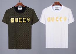 Diseño de la camiseta del polo online-19 Italia Camiseta de diseñador Polo para hombre Camisetas de marca Moda de polos Camisetas de los hombres Camisetas de lujo de Medusa Impresión de algodón Diseño de Homme Camisetas
