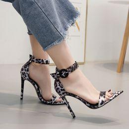 sandalias de tacón sexy fiesta tamaño 11 Rebajas Leopardo de verano impreso stiletto puntiagudo sandalias de tacón alto 11 cm de cuero sexy mujer sandalias de fiesta tacones altos zapatos de gran tamaño 35-40