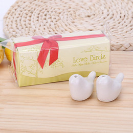 Love birds set sal pimenta on-line-Os pássaros do amor de sal 2pcs / lot Pepper Shaker Spice Ferramentas 12 * 4 * favor do casamento 5 centímetros de sal do pássaro do amor e pimenta Shaker Set partido presente com pacote da caixa