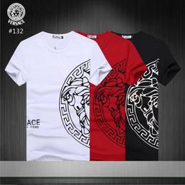 Padrões de camisa para homens grátis on-line-2019 Novo padrão de marca tempo de Lazer dos homens designer de t camisas dos homens PP designer t camisas dos homens s Designer Camisas Polo Dos Homens Entrega gratuita # 38