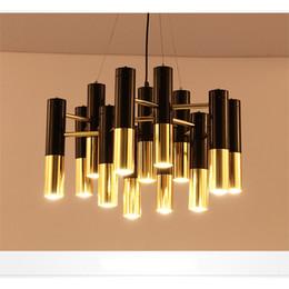 pendentifs d'éclairage de matériel de restauration Promotion Lampadaire postmoderne villa salon salle à manger lampe hall simple loft créatif lustre nordique de style industriel