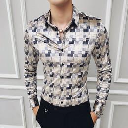Ropa casual de oficina hombres online-Manera de la calle de desgaste para hombre retro camisas ocasionales de oficina de negocios de algodón camisa a cuadros de terciopelo camisas a cuadros Camisa Hombre Slim Fit Men