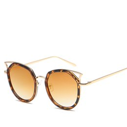 9ba5006b2fee2 boa marca óculos frame Desconto 2019 moda cat eye frame óculos de sol das  mulheres da