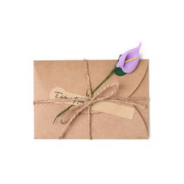 Biglietti da visita fiore fatti a mano online-3 / 5Pcs Cartolina d'auguri di invito di carta kraft fai da te vintage con busta invito di festa nuziale fiore secco a mano
