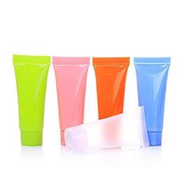 Contenitore vuoto del tubo gel online-5ml 10ml Svuota la bottiglia di plastica del campione del tubo flessibile riutilizzabile comprimono il contenitore cosmetico dei coperchi della vite del contenitore di imballaggio per la lozione del gel della doccia dello sciampo