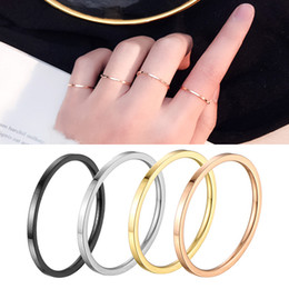 Meninas anéis de aço on-line-1 mm anel empilhável fina 14 k banhado a ouro de aço inoxidável banda lisa para mulheres menina tamanho 3-10