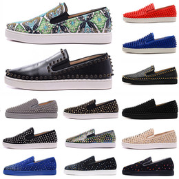 Mocassins planas pico cravejado on-line-Top Quality 2019 New Arrival Red Bottoms Mens Women Shoes Moda Luxo Camurça De Couro Com Studded Spikes Loafers Rebites Casual Dress Flats