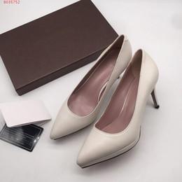f5180e2e7 Primavera de casamento da noiva design de moda de couro apontou mulheres  saltos altos perspectiva do verão stilettos festa sapatos de trabalho  Confortável ...