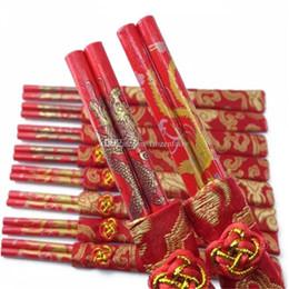 bolsa china china Rebajas Diseño clásico de madera chino palillos rojos doble felicidad y dragón boda palillos favor con bolsa de regalo cc1-8 2018052705 atq
