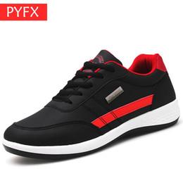 2019 sapatas clássicas coreanas Queda Coreano Moda Novos Homens Preto Pu Clássico Correndo Lazer Fundo Inferior Sapatos de Skate de Luxo Bordado Calçados De Grife sapatas clássicas coreanas barato