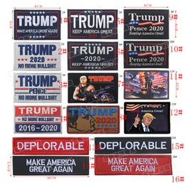 2019 bandiere delle fascette TRUMP Bracciale ricamato Bracciale 2020 Patch Keep America Great USA Flag Tactical Morale Patch Race for President 19 Styles bandiere delle fascette economici