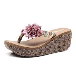 Ropa de playa online-Suela gruesa zapatos de la playa Pies Moda Clamp Mar flip flop fresca Nueva tacón alto mujeres de los deslizadores Fuera desgaste del verano