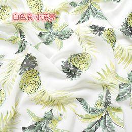 2019 tecido de impressão de frutas 1 metros de preço, alta viscose chiffon tecido primavera / verão impresso tecido personalidade fruta abacaxi flor suave roupa tecido de impressão de frutas barato