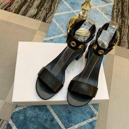 Летние низкие каблуки Толстые с натуральной кожей Римские сандалии Кожаное кольцо с пряжкой на ногу женские сандалии от