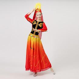 Trajes nacionales tradicionales online-Escenario étnico Ropa de rendimiento Mujeres chinas Ropa de baile folclórico Traje tradicional chino Xinjiang Vestido de baile