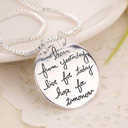 2019 colar de chave de fenda sônica 2018 Nova Moda Jóias Aprender De Ontem Viver Para Hoje Esperança Para Amanhã Carta Pingente de Colar de Presente Para As Mulheres 2 Cores KKA6214