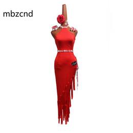 Robes de style latin en Ligne-Danse Latine Robe Femmes Performance Vêtements Rouge Sexy Mince Coupe Haute Style Chinois Sans Bretelles Robes Latines Des Costumes Féminins