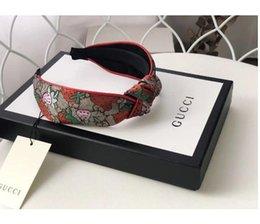 vendas de tela elástica al por mayor Rebajas Regalos para mujer Marca bandas de seda vendas de la mejor calidad a estrenar diseño de la fresa pelo de la cabeza de la bufanda para las mujeres chica headwraps IPP