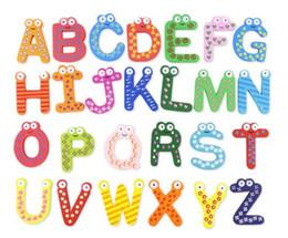 2019 geladeira alfabeto Palavras Imã de geladeira 26 pçs / set Crianças Crianças Alfabeto Dos Desenhos Animados De Madeira Educação Brinquedos de Aprendizagem Artesanato Para Adultos Artesanato Casa Decorações Presentes