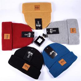 Летние вязаные шапки женские онлайн-вяжут новые мужские и женские весенние, летние, осенние и зимние шапки мужские шапочку женские головные уборы в Салем