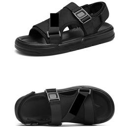 2019 sandali della cintura della caviglia per gli uomini Unisex Casual Sandali Uomo Hollow Out cinturino alla caviglia fibbie robuste donne nere pantofole moda estate sandali da spiaggia sconti sandali della cintura della caviglia per gli uomini