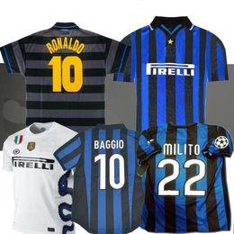 Futebol inter de milão on-line-final 2009 2010 MILITO SNEIJDER J.ZANETTI Retro Futebol Jersey SIMEONE Futebol MILÃO 1997 1998 98 99 Djorkaeff Baggio RONALDO Inter 97