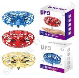 nuovi aeromobili Sconti Nuovo UFO Gesto induzione disco volante Anti-impatto Sospensione intelligenti per aerei luci a led creativo giocattolo per bambini regali di natale 9 * 9 * 4.5cm A112004