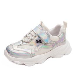 2019 sapato de corrida de cor sólida Sapatilhas dos meninos malha respirável running shoes meninas cor sólida sapatos líquidos sapato de corrida de cor sólida barato