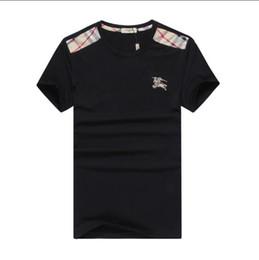 corti di dinosauro verde Sconti New Fashion Tide Designer Uomo Abbigliamento Estate Mens Designer T Shirt Casual Streetwear Designer T Shirt Rivetto misto cotone manica corta # 815
