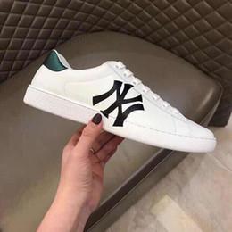 2019 Luxe Designer Hommes Femmes Sneaker Casual Chaussures Italie Marque design Couple chaussures en cuir de haute qualité en gros ? partir de fabricateur