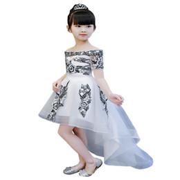 schwarze weiße blumen mädchen kleid Rabatt Prinzessin Weiß Schwarz Spitze Blumenmädchenkleider 2019 Tüll Mädchen Pageant Kleider Erstkommunion Kleider Kinder Abendkleider