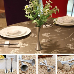вазы для стола Скидка Творческий ваза из нержавеющей стали ВАЗа современная цветочная композиция личность свадебные вазы украшения поверхности стола один небольшой вазы T8I040