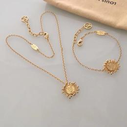 Sonnenförmige halskette online-New Vintage Halskette Bohemian Statement Fashion Markenname und Sonne Blume Form Schmuck für Damen Accessoires Markenname Stella Free Shipp