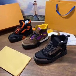 Leder schwer online-Luxus Designer Herren Schuhe 2019 neue Mode Luxus Frauen Stiefel Leder schwere Sohlen komfortable atmungsaktive Freizeit mit Box